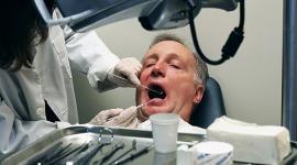 Визит к стоматологу улучшит потенцию