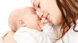 Курящие матери делают дочерей бесплодными
