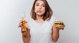 Фастфуд вдвое увеличивает риск бесплодия