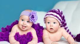 Близнецы из Великобритании родились с разницей в два года