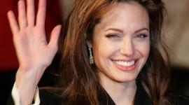 Анджелина Джоли решила заморозить свои яйцеклетки