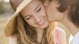 Специалисты выявили связь между бесплодием и поцелуями