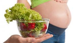 Какие продукты повышают шансы на беременность