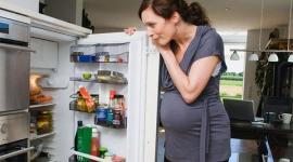 Беременным рекомендуют воздерживаться от жирной пищи