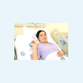 Первую в мире беременность после трансплантации матки пришлось прервать