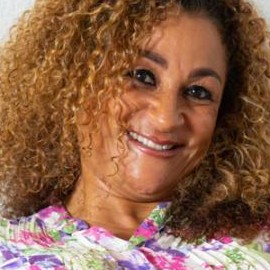 50-летняя британка станет матерью четверни