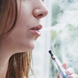 Электронные сигареты опасны для женского здоровья