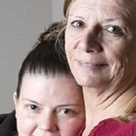 58-летняя канадка вынашивает свою внучку