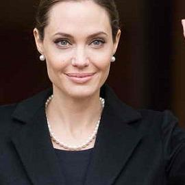 Анджелина Джоли готовится к новой операции