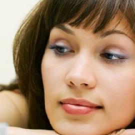 Косметика может повредить женскому здоровью