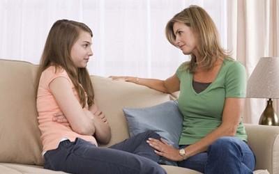 Первые месячные у девочек, Признаки месячных, задержка