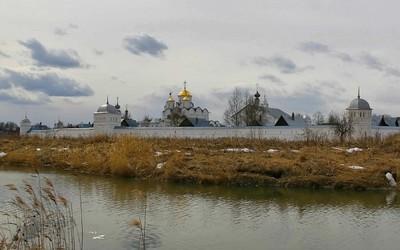 Где ждать аиста: путешествия по святым местам