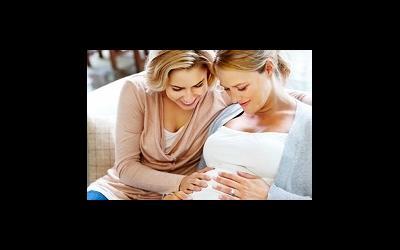 Англичанка рожает ребенка для своей сестры