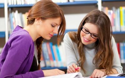 Образование не виновато в позднем материнстве