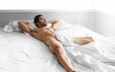 Как спит настоящий мужчина?