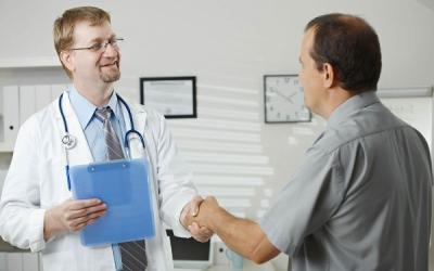 """Запишитесь на прием к андрологу-урологу в клинику """"Центр ЭКО"""", прием ведут профессора, д.м.н."""