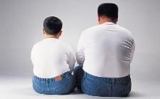 Не хотите, чтобы ребенок был толстым? Посадите отца на диету