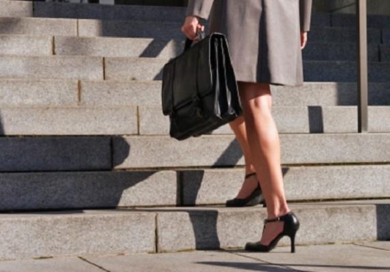 Чем полезна ходьба вверх по лестнице